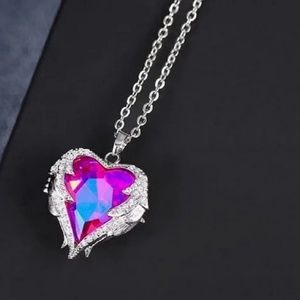 Jewelry - Fuchsia Crystal Heart Pendant Silver Necklace